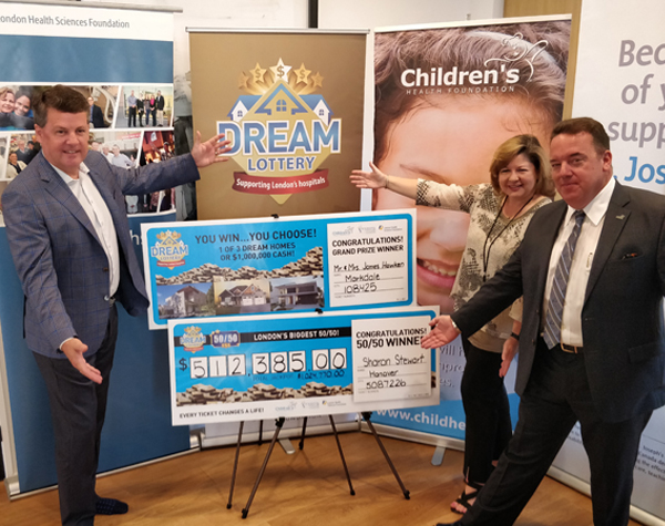 Dream Lottery presentation cheques
